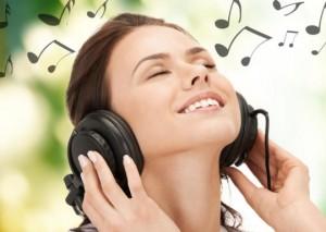 happy-girl-listening-music-540x384